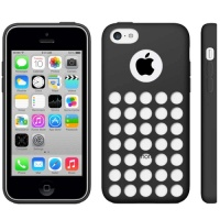 coque-silicone-a-trous-noir-iphone-5C